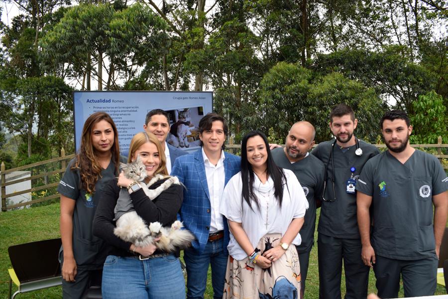 Rueda de prensa primer felino con marcapasos en Colombia
